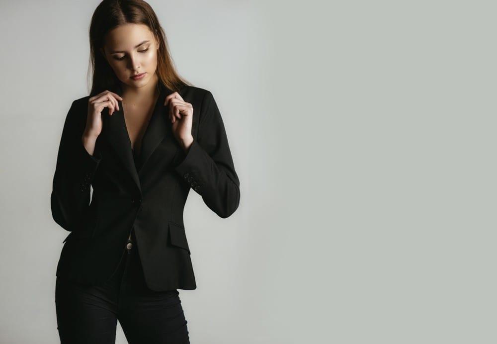 Noir fille en tailleur by Mademoiselle M