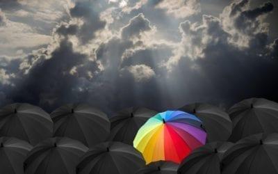 Parapluie couleurs dans masse noire by Mademoiselle M
