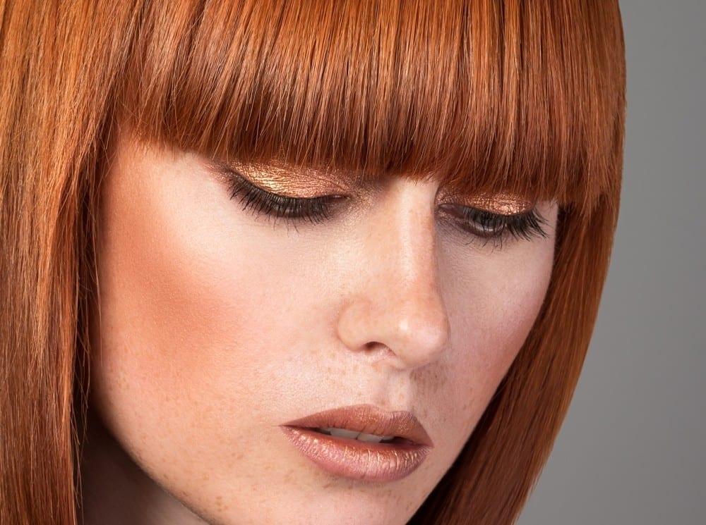 Femme rousse en chaud belle coiffure by Mademoiselle M
