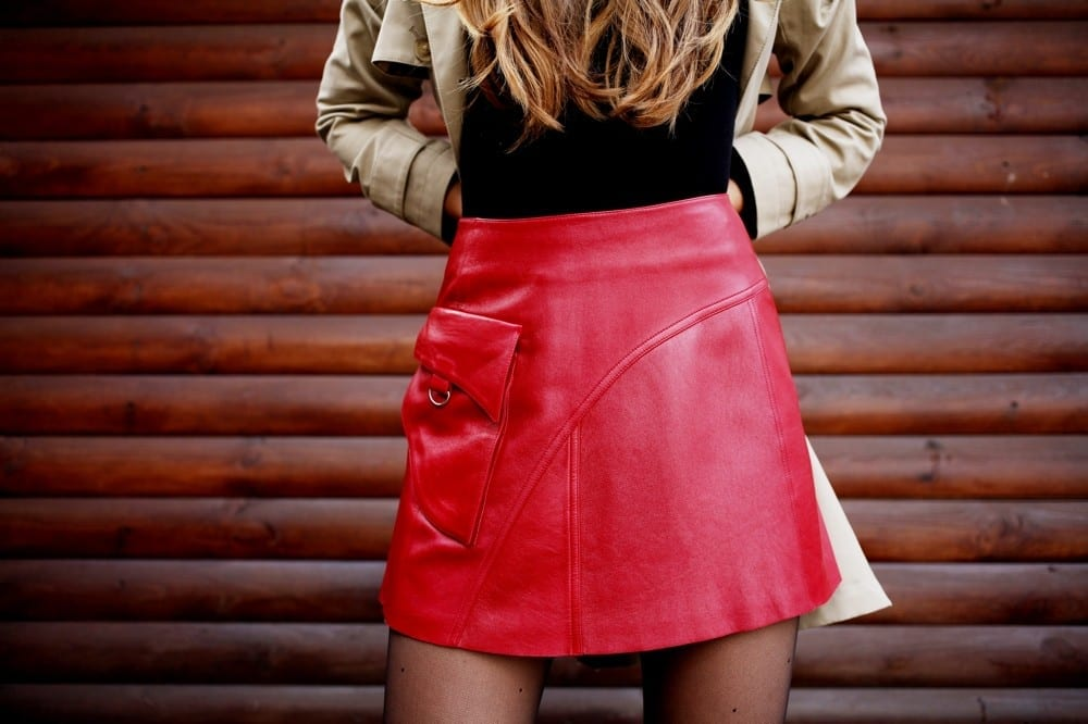 Jupe courte cuir rouge by Mademoiselle M