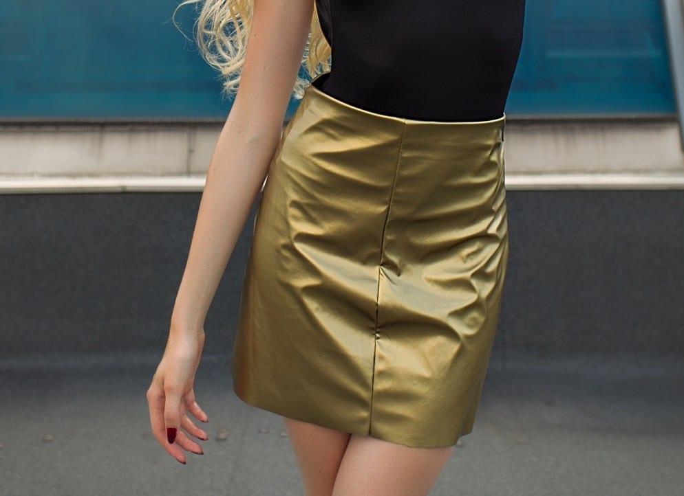 Jupe courte dorée by Mademoiselle M