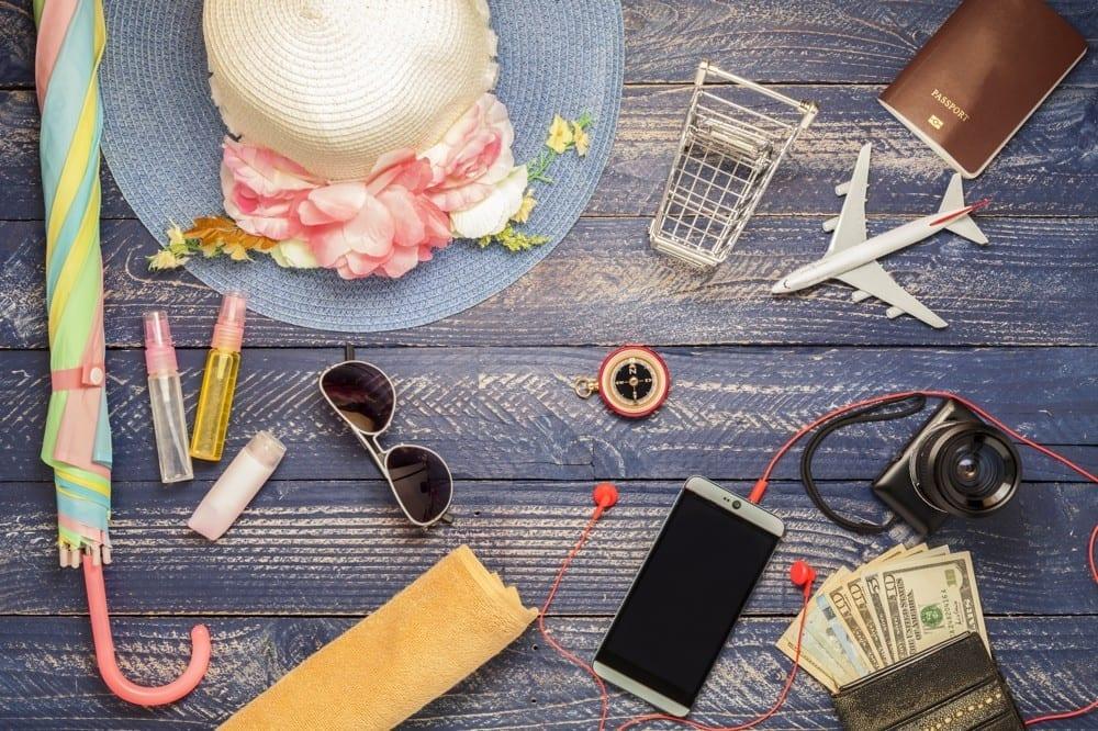 Objets de voyage by Mademoiselle M