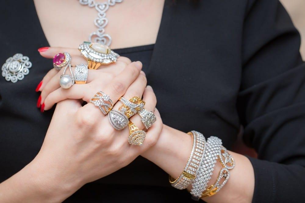 Trop de bijoux by Mademoiselle M