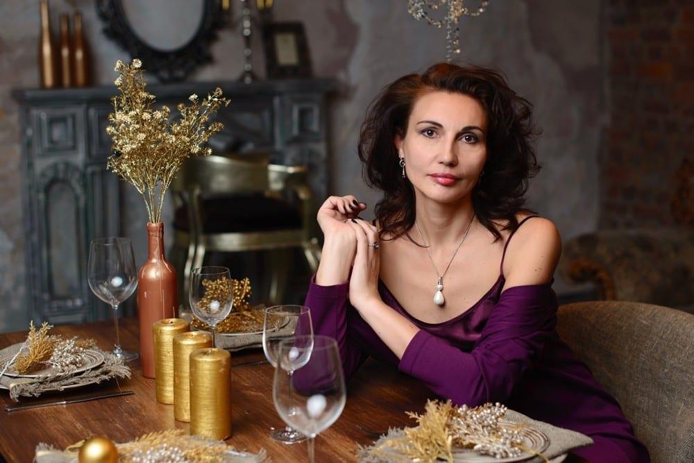 Premier rendez-vous amoureux avec un homme-Tenue de soirée femme violet by Mademoiselle M