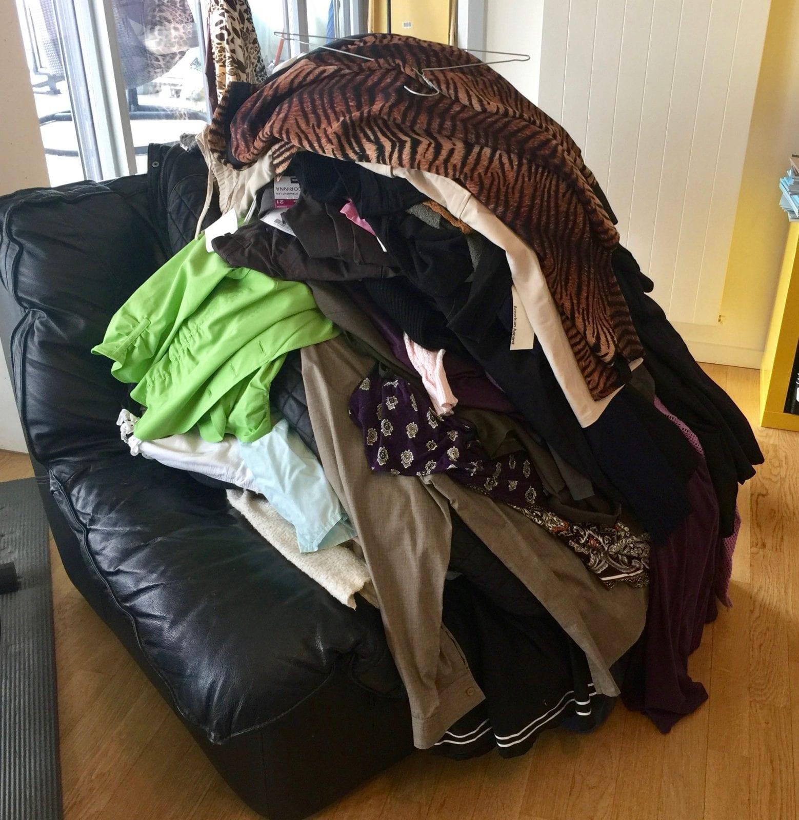 Pile de vêtements avant Christine 2 by Mademoiselle M