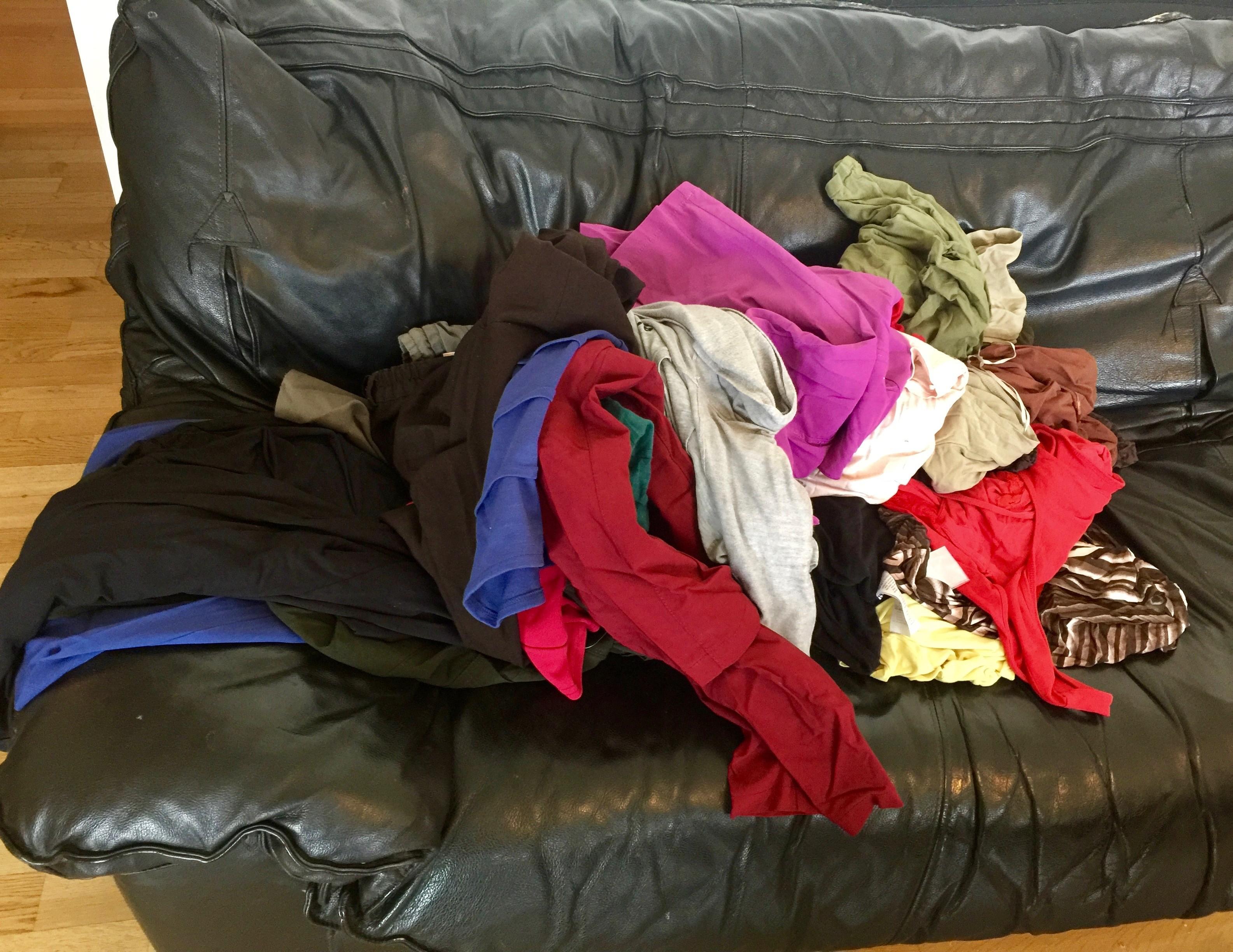 Pile de vêtements avant Christine 1 by Mademoiselle M