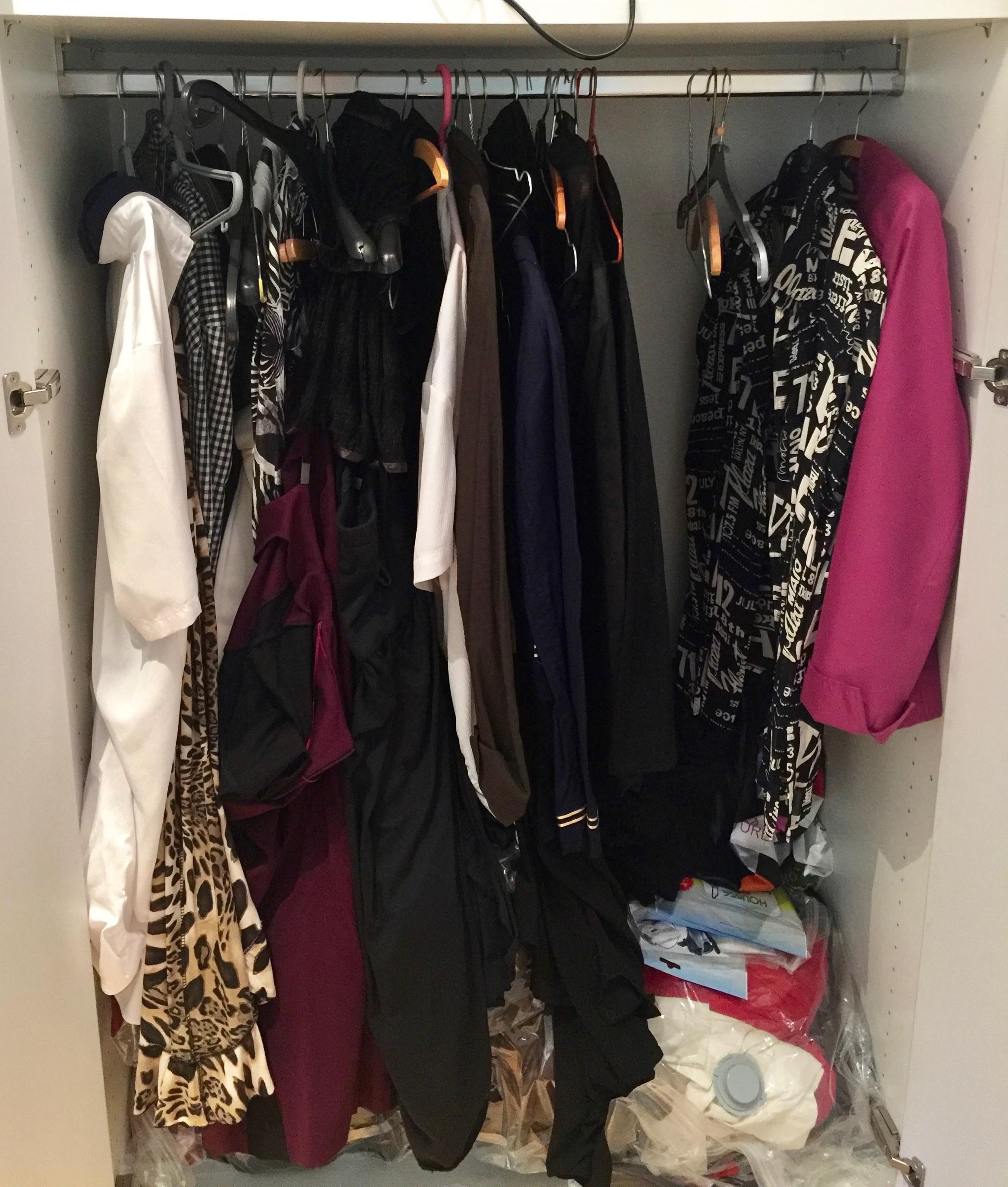 Armoire à vêtements avant Christine 1 by Mademoiselle M