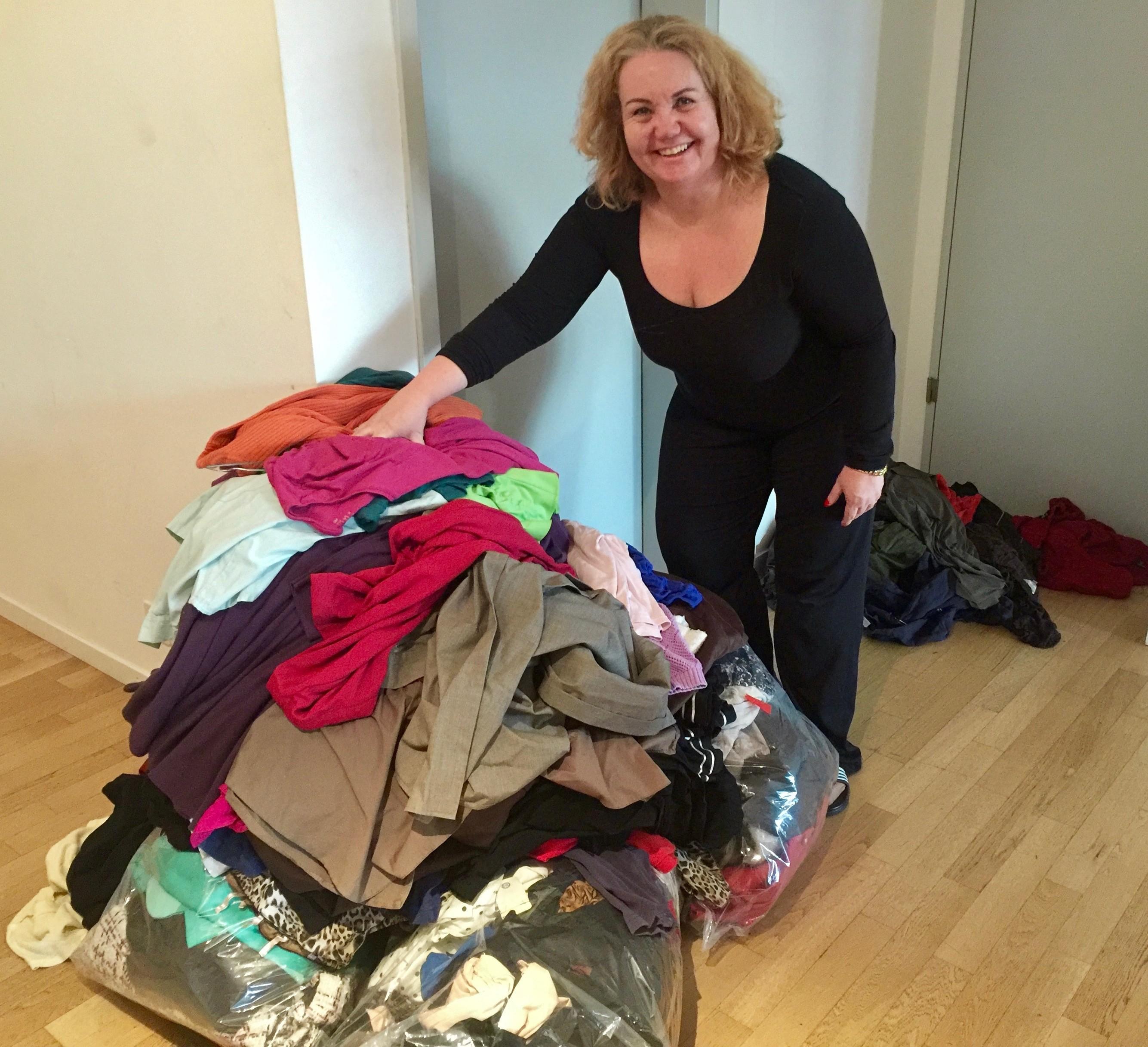 Pile de vêtements à éliminer Christine by Mademoiselle M
