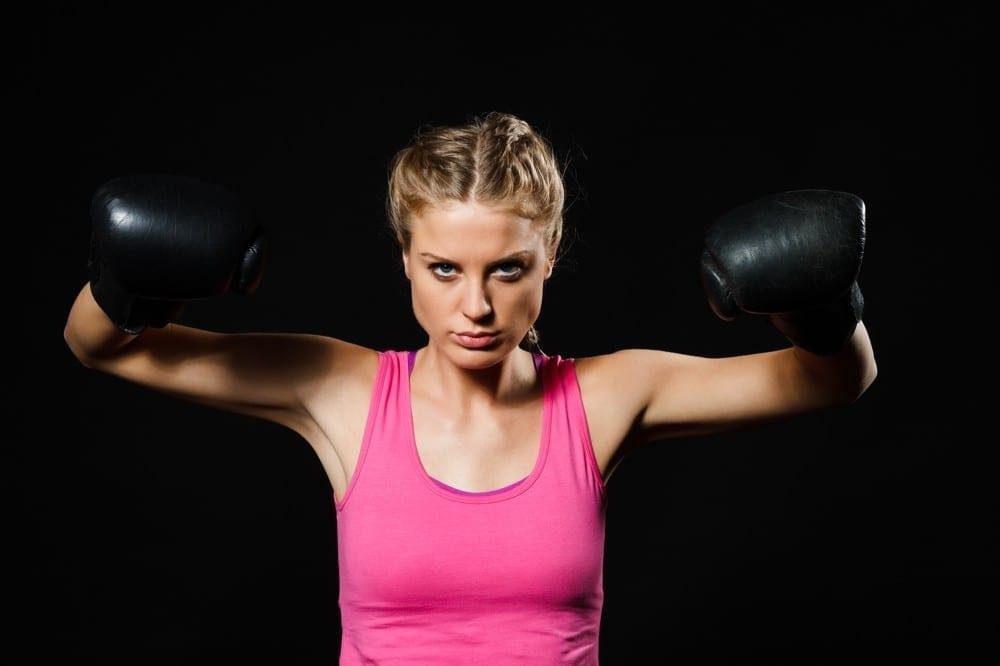 Déterminée femme gants de boxe by Mademoiselle M