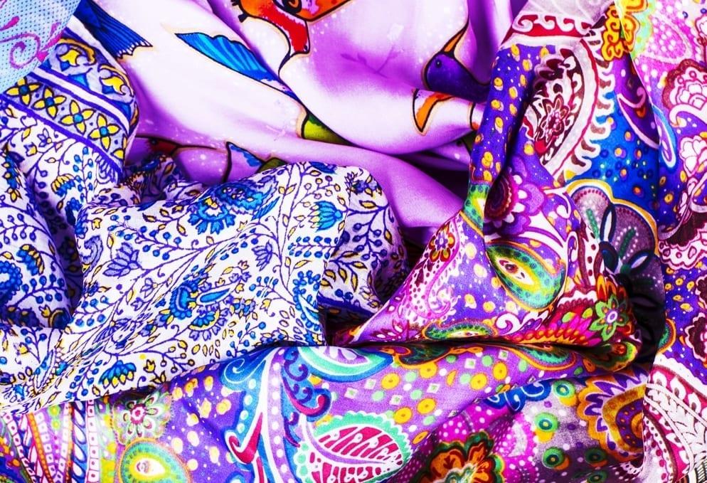 Comment-nouer-un-foulard-Mademoiselle-M-violet